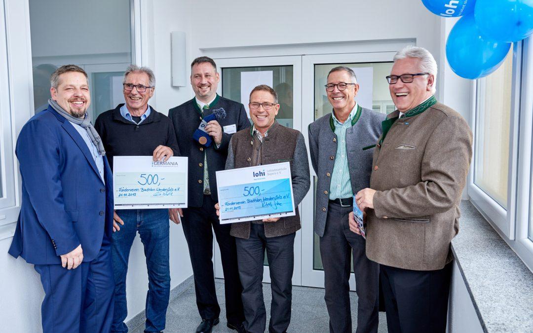 Spendenübergabe durch die LoHi und Germania!